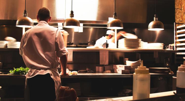 Como gerir o restaurante do hotel de forma ágil e eficiente