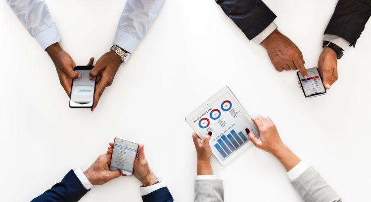 Entenda como a tecnologia pode facilitar a gestão das equipes do hotel